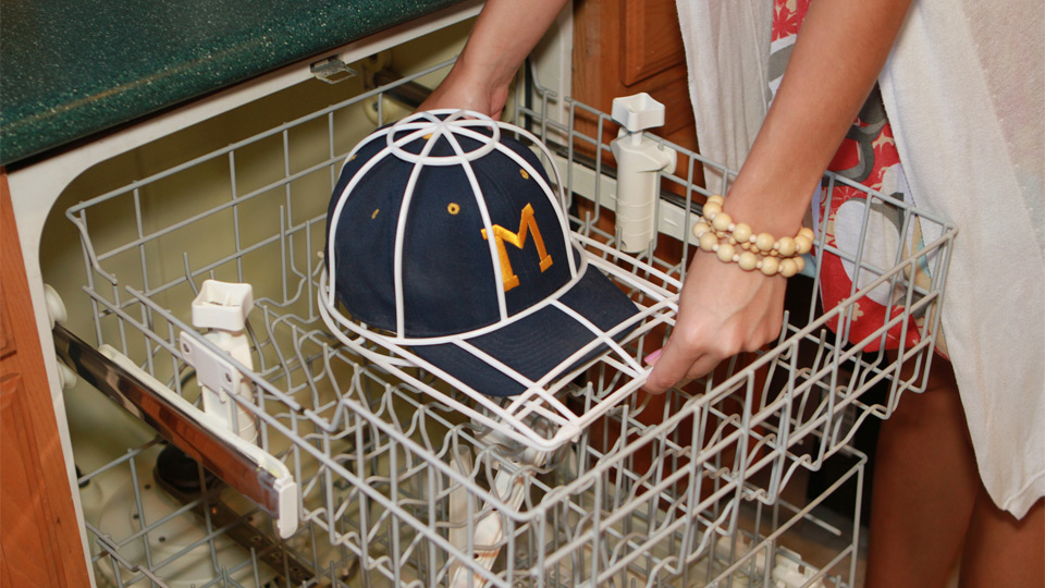 how to wash baseball caps1